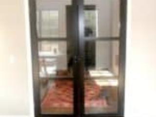 Elegant sortmalet glasdør