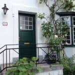 Se flot billede af frisk grøn facedør til hjem og bolig i dit kvarter