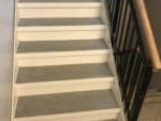 Stålbakker på ståltrapper kan også udfyldes med træ eller fliser