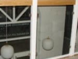Det er vigtigt at trappens værn er højt nok og stabilt monteret