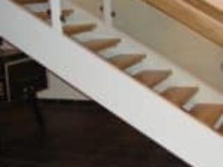 Ikke alle trapper står op ad væggen | Gelænder på begge sider