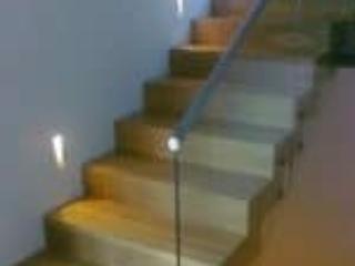 Flot og eksklusiv halvsvings trappe i høj kvalitet