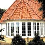 Dobbelte terrassedøre giver god udsigt fra udestuen