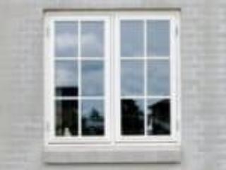 Smalle sprosser i sidehængte vinduer