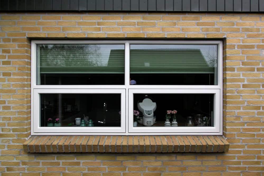 Sammenbyggede vinduer med topstyret modul.