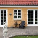 Dobbelte terrassedøre giver et stort lysindfald i din bolig
