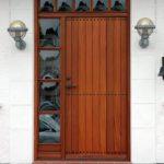 Højisolerende mahogni hoveddør i flot design