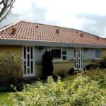 Hjem med vinduer og facadedøre med glas til din bolig