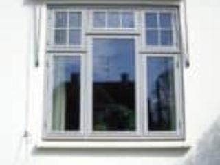 Frederiksberg vindue med uens inddeling