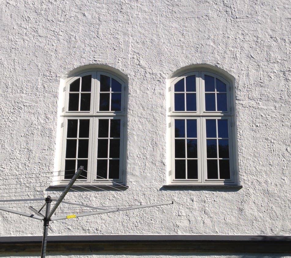 To buede vinduer med sprosser (4354)