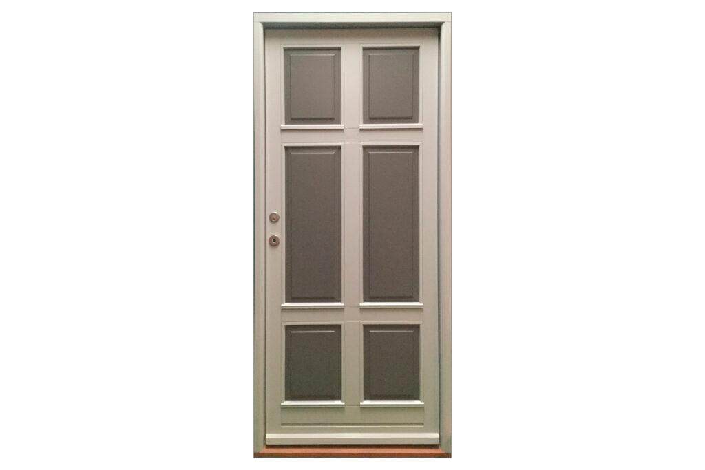 Flot grå facadedør med fyldninger