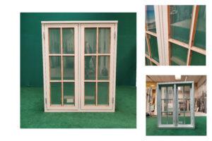 Hvidt sidehængt vindue med sprosser